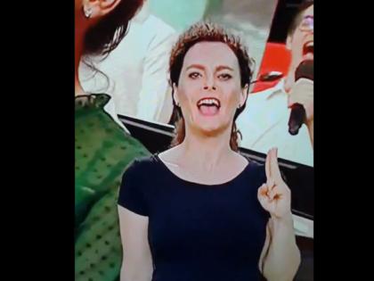 Koncert w TVP. Tłumaczka języka migowego skradła show [WIDEO]