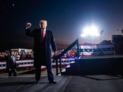 Donald Trump o COVID-19: Wygląda na to, że jestem odporny