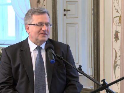 Bronisław Komorowski ma koronawirusa. Jak czuje się były prezydent?