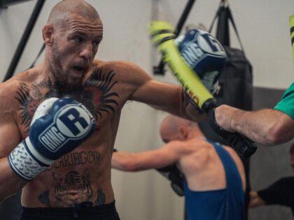 Wyróżnienie dla Polaka w MMA! Przegrał trzy walki z rzędu, a wystąpi tuż przed McGregorem!