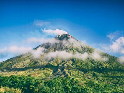 Zagrożenie erupcją wulkanu! Ewakuacja trwa!