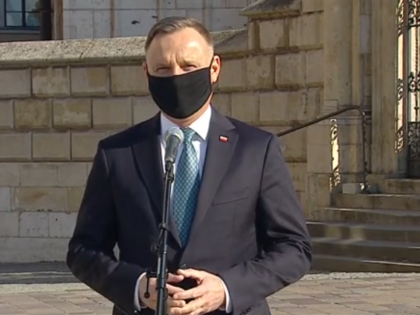 11. rocznica katastrofy smoleńskiej. Prezydent Andrzej Duda: Wspólnota jest właśnie tutaj!